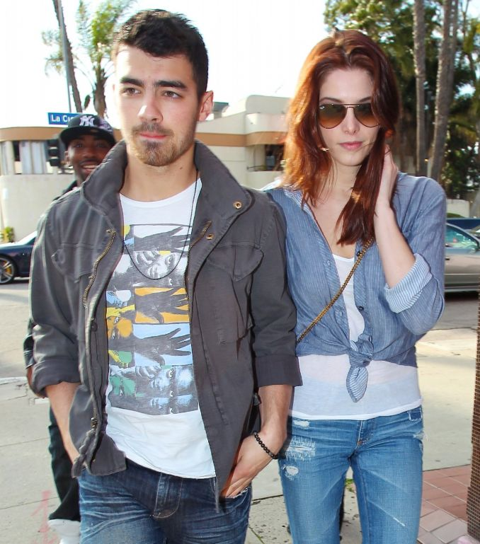Joe Jonas ir Ashley Greene